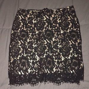 Embroidered mini skirt sz Small